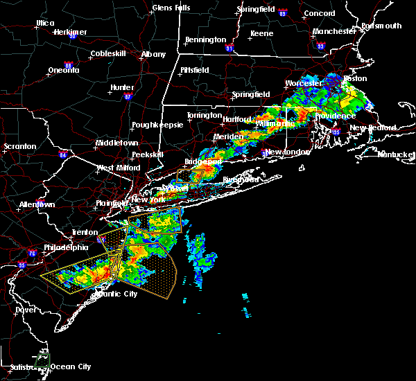 Radar Image for Severe Thunderstorms near Levittown, NY at 8/19/2019 5:42 PM EDT