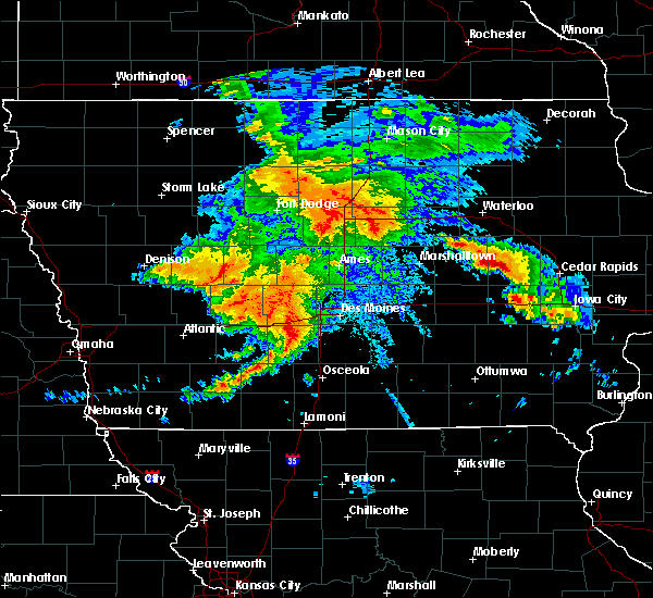 Radar Image for Severe Thunderstorms near De Soto, IA at 8/20/2019 4:38 AM CDT