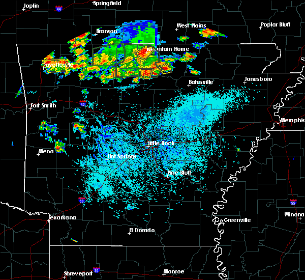 Radar Image for Severe Thunderstorms near Big Flat, AR at 8/21/2019 3:59 PM CDT