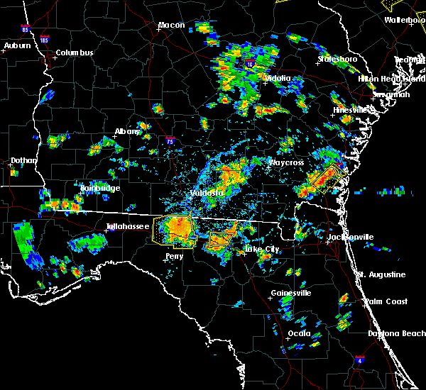 Radar Image for Severe Thunderstorms near Jasper, FL at 6/22/2015 6:12 PM EDT
