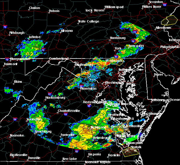Radar Image for Severe Thunderstorms near Shenandoah Farms, VA at 8/22/2019 7:24 PM EDT