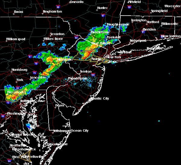 Radar Image for Severe Thunderstorms near Roselle Park, NJ at 8/22/2019 7:57 PM EDT