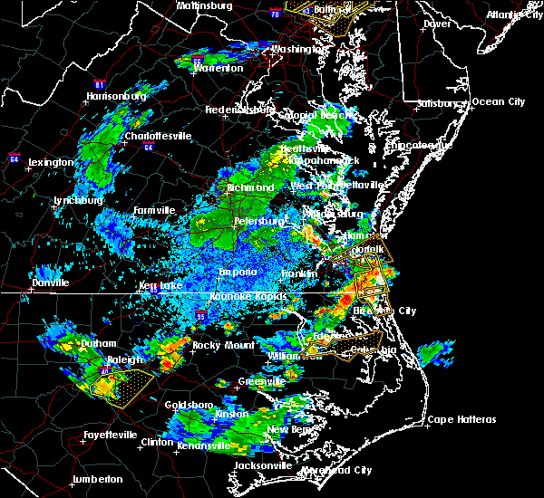 Radar Image for Severe Thunderstorms near Virginia Beach, VA at 8/22/2019 8:12 PM EDT