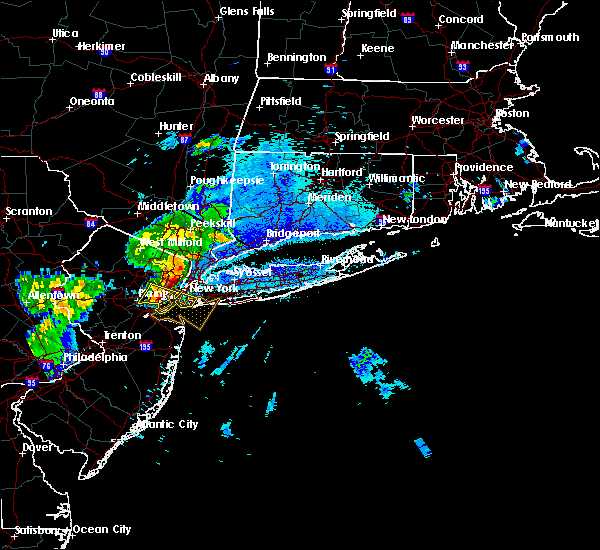 Radar Image for Severe Thunderstorms near Levittown, NY at 8/22/2019 8:36 PM EDT