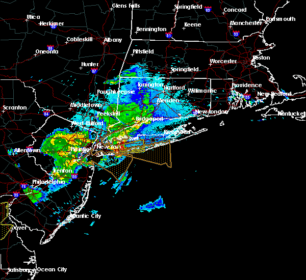 Radar Image for Severe Thunderstorms near Levittown, NY at 8/22/2019 9:29 PM EDT