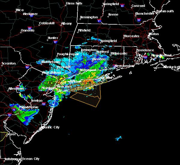 Radar Image for Severe Thunderstorms near Riverside, NY at 8/22/2019 10:32 PM EDT