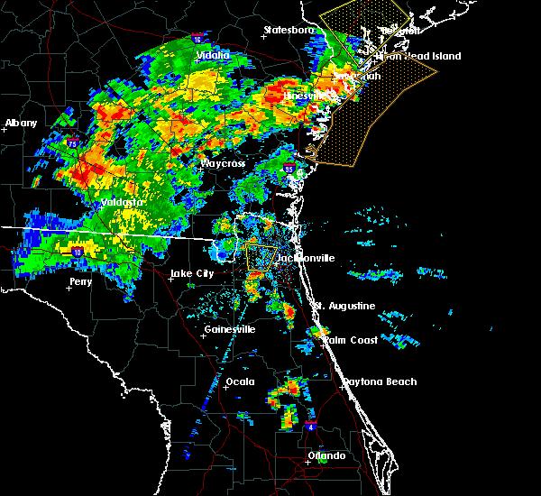 Radar Image for Severe Thunderstorms near Jacksonville, FL at 6/22/2015 8:13 PM EDT