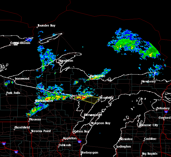 Radar Image for Severe Thunderstorms near Escanaba, MI at 6/22/2015 7:26 PM CDT