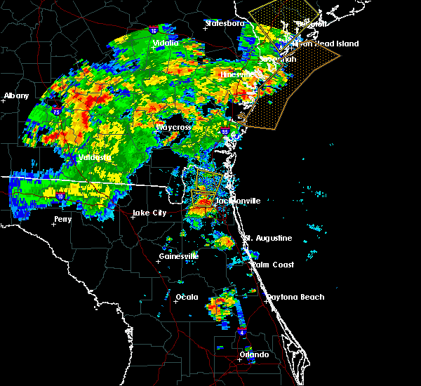 Radar Image for Severe Thunderstorms near Yulee, FL at 6/22/2015 8:38 PM EDT