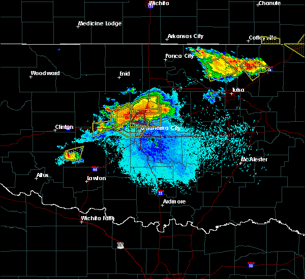 Radar Image for Severe Thunderstorms near Oklahoma City, OK at 8/26/2019 9:11 PM CDT