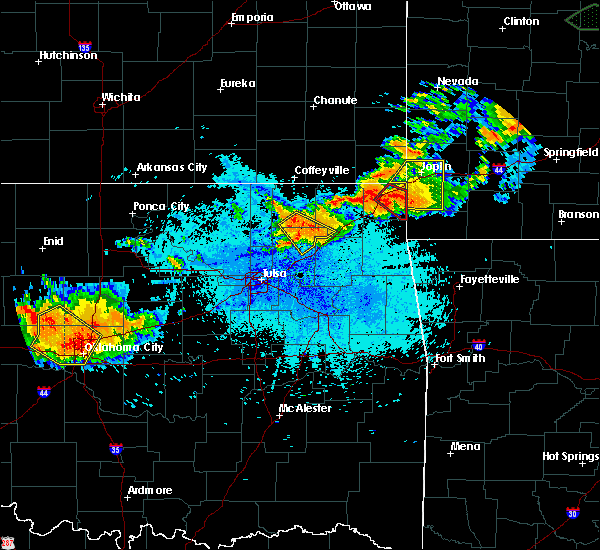 Radar Image for Severe Thunderstorms near Fairland, OK at 8/26/2019 9:40 PM CDT