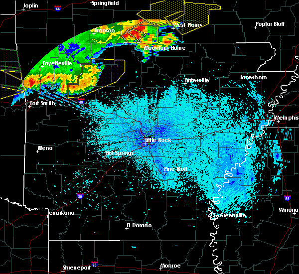 Radar Image for Severe Thunderstorms near Marshall, AR at 8/27/2019 12:32 AM CDT