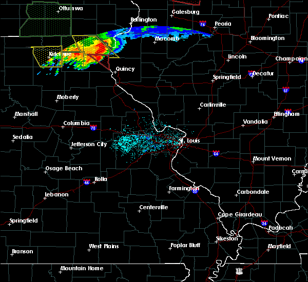 Radar Image for Severe Thunderstorms near Hannibal, MO at 6/22/2015 8:16 PM CDT