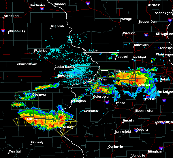Radar Image for Severe Thunderstorms near West Point, IL at 6/22/2015 8:35 PM CDT