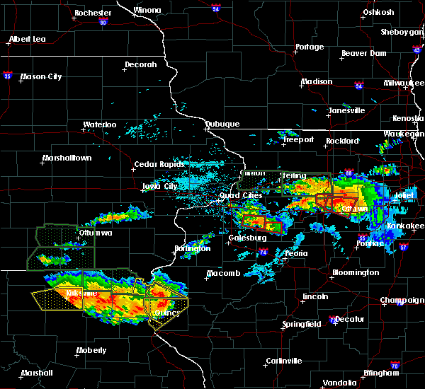 Radar Image for Severe Thunderstorms near West Point, IL at 6/22/2015 8:47 PM CDT