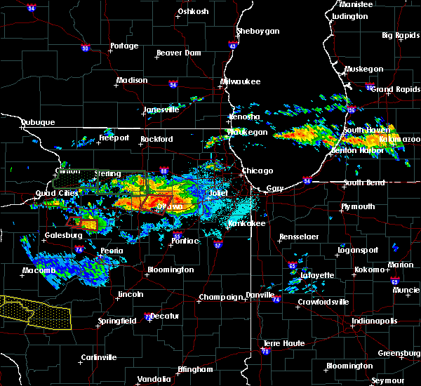 Radar Image for Severe Thunderstorms near Ottawa, IL at 6/22/2015 9:01 PM CDT