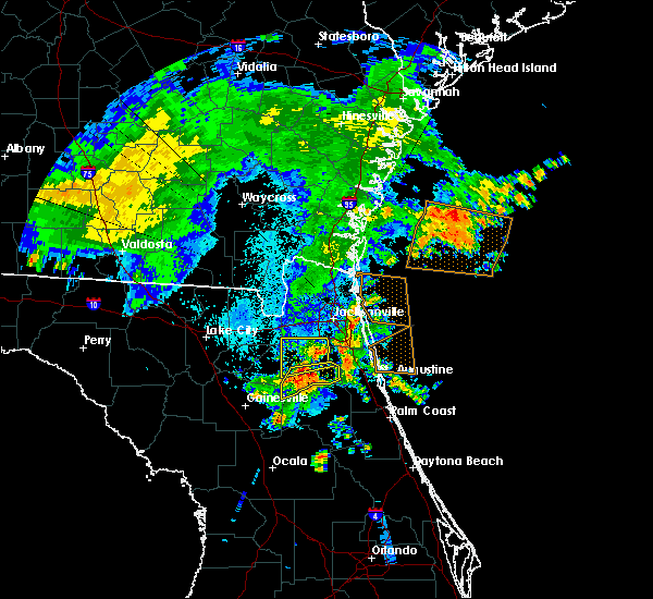 Radar Image for Severe Thunderstorms near Fleming Island, FL at 6/22/2015 11:36 PM EDT
