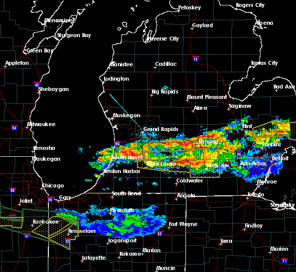 Radar Image for Severe Thunderstorms near Kalamazoo, MI at 6/22/2015 11:55 PM EDT