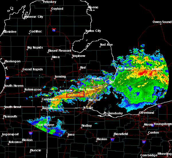 Radar Image for Severe Thunderstorms near Toledo, OH at 6/23/2015 2:05 AM EDT