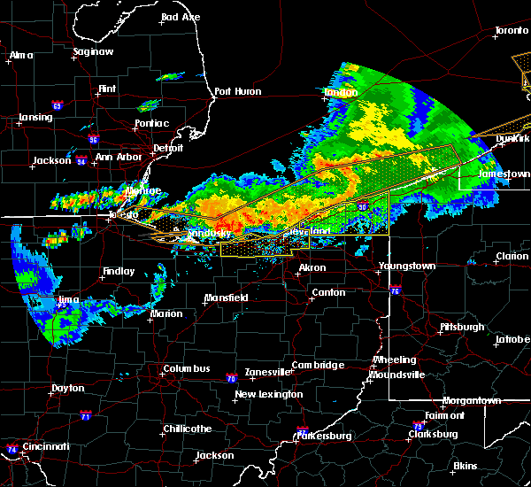 Radar Image for Severe Thunderstorms near Lyndhurst, OH at 6/23/2015 4:00 AM EDT