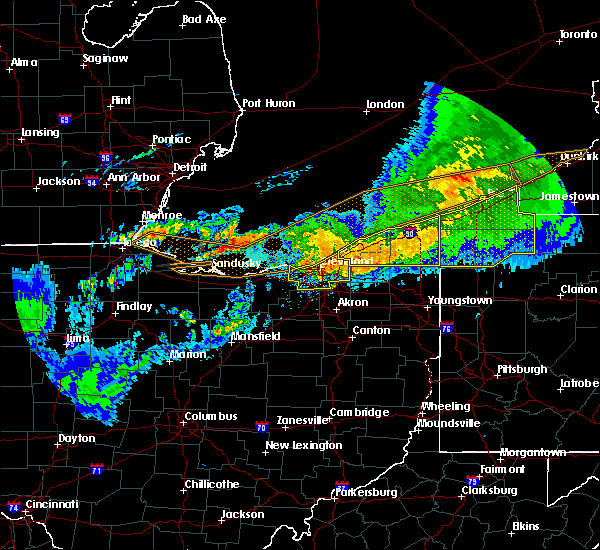 Radar Image for Severe Thunderstorms near Middleburg Heights, OH at 6/23/2015 4:37 AM EDT