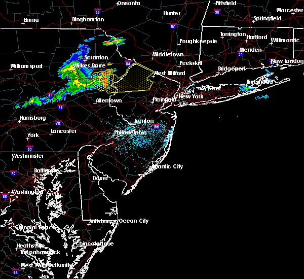 Radar Image for Severe Thunderstorms near Mountain Lake, NJ at 6/23/2015 2:32 PM EDT