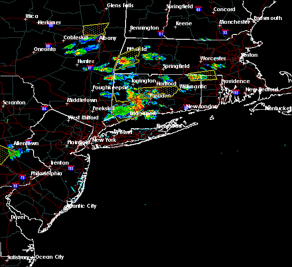 Radar Image for Severe Thunderstorms near East Hampton, CT at 6/23/2015 4:35 PM EDT