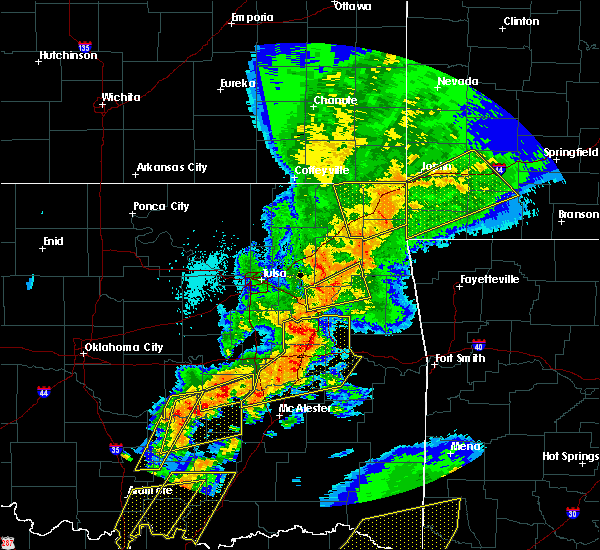 Radar Image for Severe Thunderstorms near Fairland, OK at 10/20/2019 11:26 PM CDT