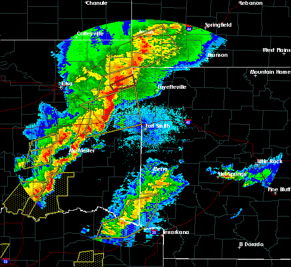 Radar Image for Severe Thunderstorms near Gillham, AR at 10/21/2019 12:02 AM CDT
