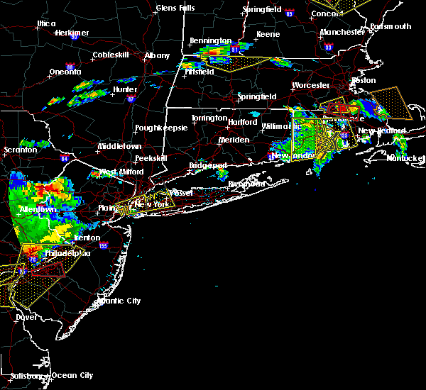 Radar Image for Severe Thunderstorms near Salisbury, NY at 6/23/2015 6:02 PM EDT