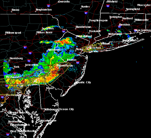 Radar Image for Severe Thunderstorms near Trevose, PA at 6/23/2015 6:12 PM EDT
