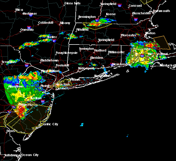 Radar Image for Severe Thunderstorms near Salisbury, NY at 6/23/2015 6:22 PM EDT