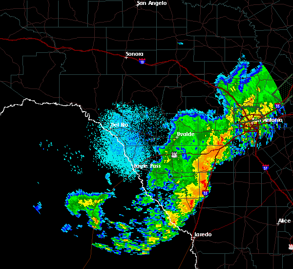 Radar Image for Severe Thunderstorms near Encinal, TX at 10/24/2019 9:37 PM CDT