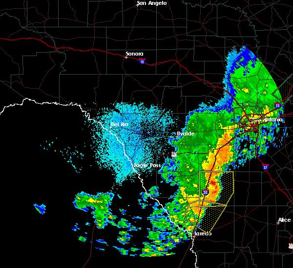 Radar Image for Severe Thunderstorms near Ranchitos Las Lomas, TX at 10/24/2019 10:07 PM CDT