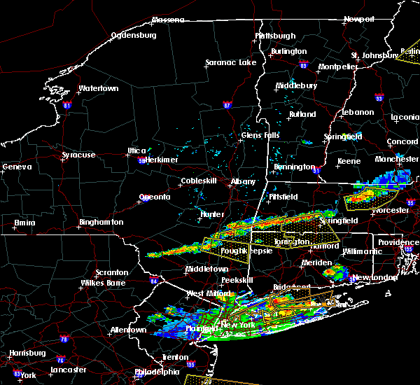 Radar Image for Severe Thunderstorms near Holyoke, MA at 6/23/2015 7:22 PM EDT