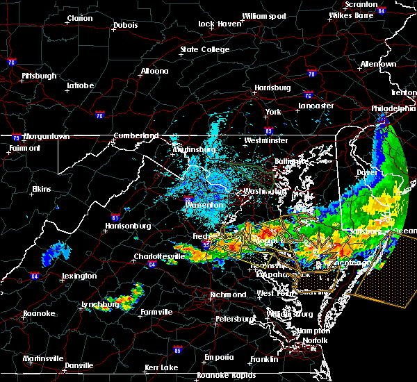 Radar Image for Severe Thunderstorms near Colonial Beach, VA at 6/23/2015 9:37 PM EDT