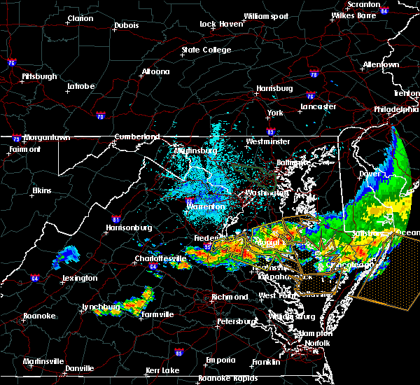 Radar Image for Severe Thunderstorms near Colonial Beach, VA at 6/23/2015 9:57 PM EDT
