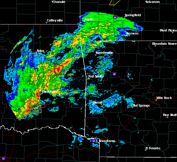 Radar Image for Severe Thunderstorms near Pittsburg, OK at 1/10/2020 2:37 PM CST