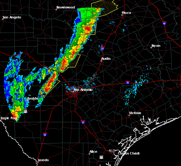 Radar Image for Severe Thunderstorms near Comfort, TX at 1/10/2020 5:57 PM CST
