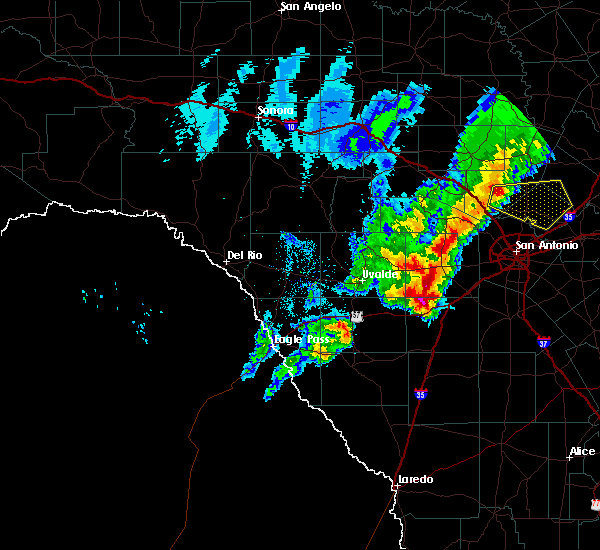 Radar Image for Severe Thunderstorms near Hondo, TX at 1/10/2020 6:57 PM CST