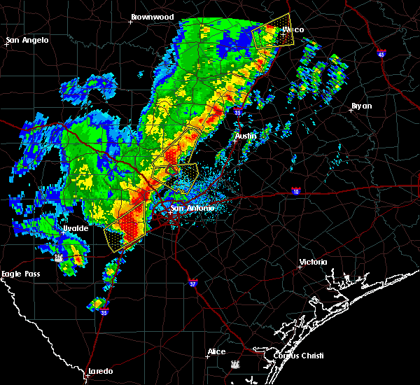 Radar Image for Severe Thunderstorms near Hondo, TX at 1/10/2020 7:17 PM CST