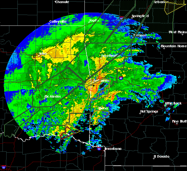 Radar Image for Severe Thunderstorms near Wickes, AR at 1/10/2020 7:26 PM CST