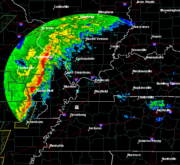 Radar Image for Severe Thunderstorms near Poplar Bluff, MO at 1/11/2020 12:44 AM CST