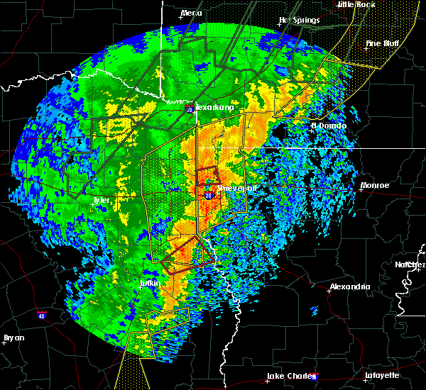 Radar Image for Severe Thunderstorms near Center, TX at 1/11/2020 12:59 AM CST
