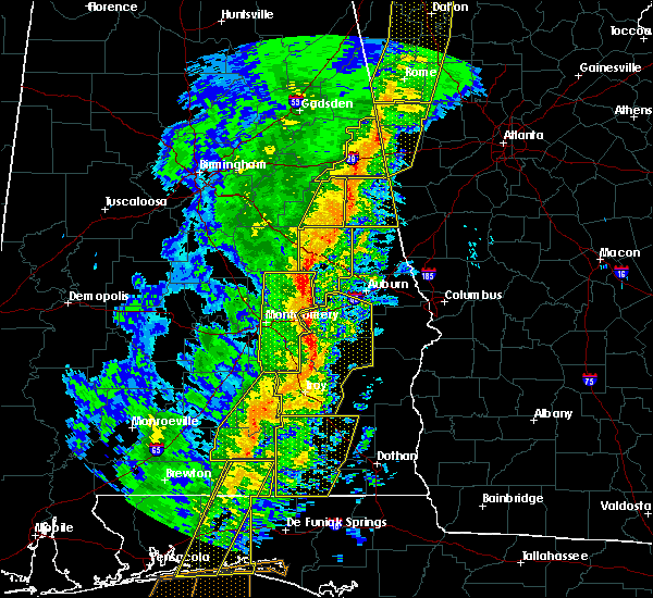 Radar Image for Severe Thunderstorms near Tallassee, AL at 1/11/2020 3:08 PM CST