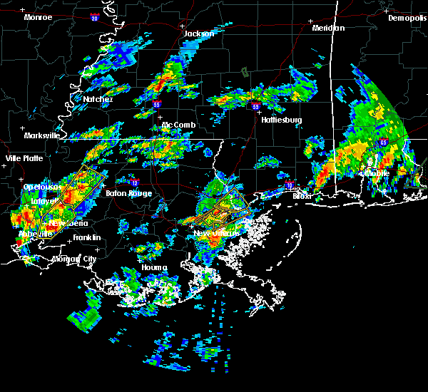 Radar Image for Severe Thunderstorms near Baton Rouge, LA at 2/5/2020 1:48 PM CST