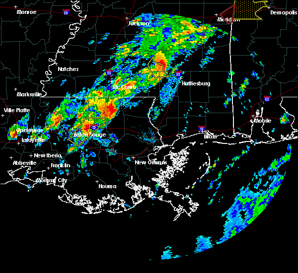 Radar Image for Severe Thunderstorms near Baton Rouge, LA at 2/6/2020 12:01 AM CST