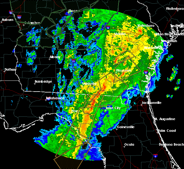 Radar Image for Severe Thunderstorms near Jesup, GA at 2/6/2020 8:32 PM EST