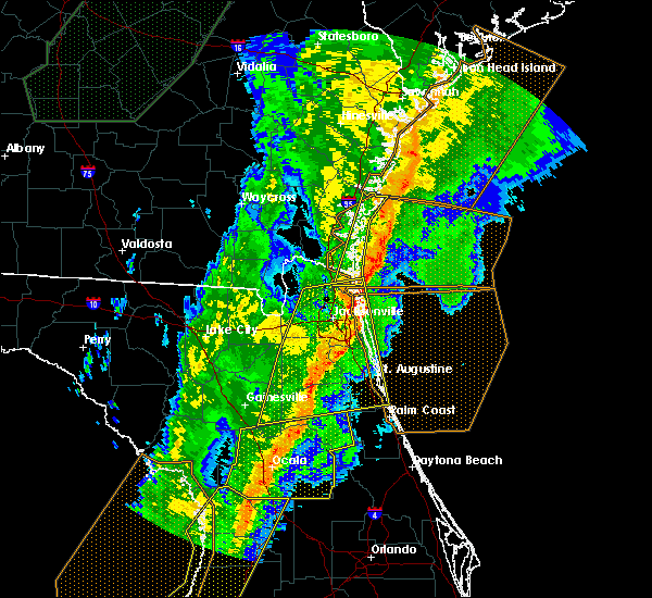 Radar Image for Severe Thunderstorms near Flagler Estates, FL at 2/6/2020 10:37 PM EST