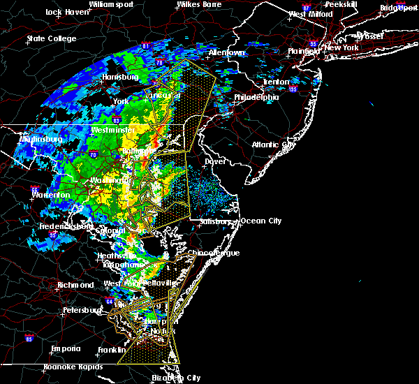 Radar Image for Severe Thunderstorms near Lexington Park, MD at 2/7/2020 9:24 AM EST
